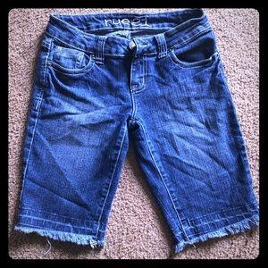 GUC Rue 21 Bermuda Cutoff Style Shorts